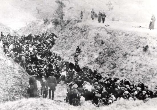 Здолбунов Евреи перед расстрелом