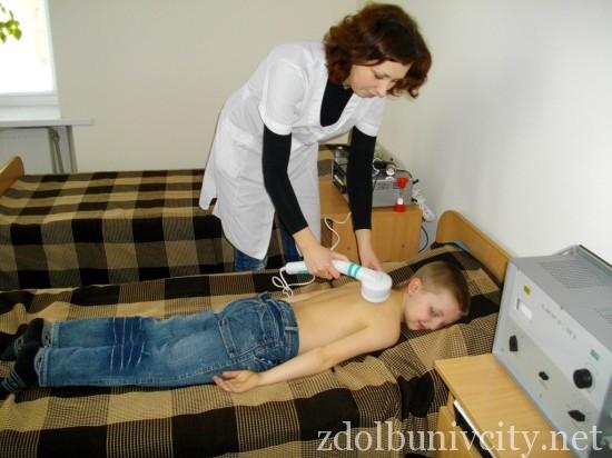 Медична сестра дбає про здоров_я учн в