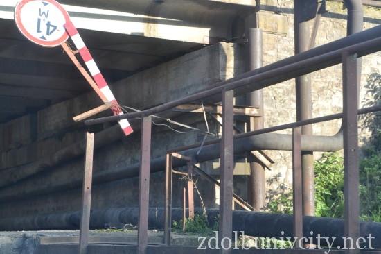 znak pid mostom (5)