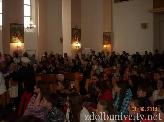 дитяче свято у костелі (4)