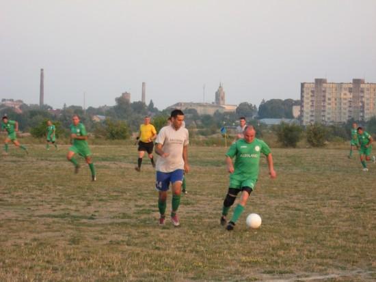 на футболі (1)