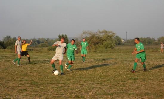 на футболі (2)