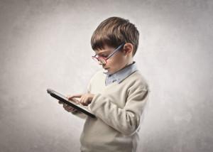 діти і планшет