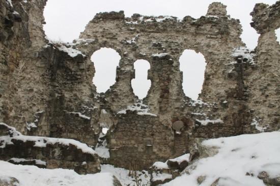 Середнянський замок1