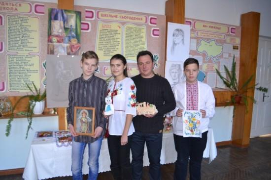 Віталій Нижник з учнями