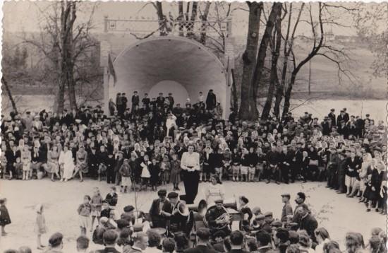 концертний павільйон в парку (1)